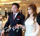 맏딸 결혼식에서 벅찬 표정 지은 최태원 SK 회장 모습