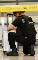 인천공항 E게이트 앞에 나타난 폭발물?