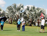 필리핀 클라크 한 골프장에서 라운드를 하는 한국인 골퍼들. 해외 골프여행 시 긴장감을 갖고 주의사항을 잘 지켜야 안전하게    골프를 즐길 수 있다. [사진 제공·김맹녕]