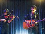 강태구(오른쪽)의 라이브 공연. [출처 · 유튜브 온스테이지 캡처]