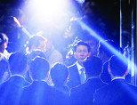 구속된 공주 막 내린 '부녀 대통령 신화'
