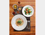 곤충 요리 전문 레스토랑  '빠삐용의 키친'에서 판매하는 곤충 요리.[사진 제공·바앤다이닝]
