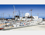 한국이 처음으로 해외에 수출한 원자력발전소인 아랍에미리트(UAE) 바라카 원전 전경. [동아DB]