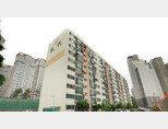 1987년 1개 동 총 80가구로 준공된 서울 서초구 반포현대 아파트는 5월 15일 조합원당 1억3569만 원의 재건축초과이익환수제 부담금 예상액을 통보받았다. [지호영 기자]
