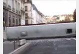 달려오는 버스앞에서 장난치다가…대형버스 전복 참사