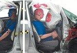 운전석만 '안전' 했던 스몰 오버랩 테스트… 반쪽의 처참한 결과