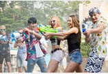 여름 도심에서 즐기는 신나는 물총싸움