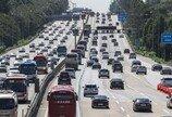 자동차 등록 2300만대 돌파…인구 2.2명당 1대