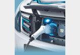 완성차 업체, 전기차 배터리 제조사들과 연합전선 구축…이유는?