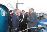 """""""2025년까지 5000대 수출""""… 대통령이 사랑한 현대 수소전기차"""