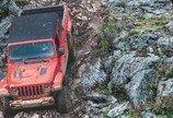 진흙구덩이 넘고 암벽길도 거뜬… 못가는 길이 없네