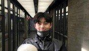 박서준, 반려견 심바와 명절맞이 즐거운 산책
