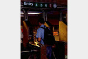 """""""직원용 화장실에 시신 보관""""…뉴욕 지하철 직원들 고충 토로"""