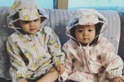 """""""깜찍한 비주얼""""…한그루 쌍둥이, 귀요미 우비 패션"""