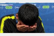 김민우, 스웨덴전 패배에 자책…얼굴 감싸고 '눈물 펑펑'