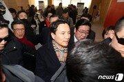광주 방문 김진태, '5·18 폄훼' 논란에 대한 사과는 없었다