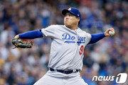 "MLB.com ""LA서 류현진을 이기는건 불가능에 가까워"""