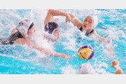 UDT 울고 가는 수구훈련… '아티스틱'은 한번에 75m 잠영