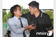 """'보복운전 혐의' 최민수, 심경 묻는 기자에 """"밥 먹었어요?"""""""