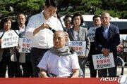 """""""조국 파면·구속하라""""…한국당 5선 이주영·심재철도 삭발"""