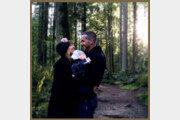 라이언 레이놀즈·블레이크 라이블리 부부, 셋째 안고 행복 미소