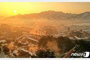 김정은 '역점 사업' 양덕온천 개장…北 매체 공개한 사진 보니