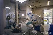 中 의료진 감염 심각…우한서 '코로나19' 치료 지정병원 원장도 숨져