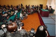[포토] MC몽에 쏠린 눈…공식 입장 발표 기자회견장