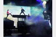 [또 하나의 배우, 무대]360도 회전 11m 열차 위에서 숨막히는 결투