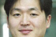 """홍콩수반 """"시위대와 대화""""… 충돌 일보직전 협상 제안"""