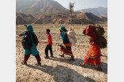 [이훈구 기자의 히말라야 2400km]<24>가을걷이 끝나도… 고달픈 여인의 삶