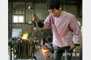 [박경모 전문기자의 젊은 장인]두드리면 鐵 최상품