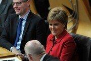 """스코틀랜드 """"다시 기회를""""…독립투표 재추진안 통과"""