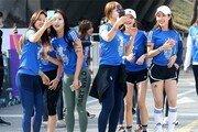 [토요화제]톡톡 튀어야 펀런… '패션 몸짱들' 도심을 달리다