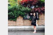 [#해시태그 컷] 봄 햇살 아래…안소희는 광합성 중