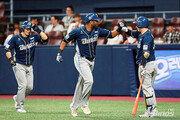 스크럭스, 시즌 44홈런 페이스 '테임즈는 잊어라'