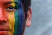 25일 전세계 '게이 퍼레이드'…反트럼프 시위도 겸했다