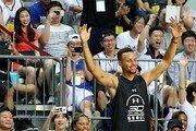 'NBA 지존' 커리, 한국팬 홀리다