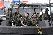 """연평부대 찾은 송영무 국방 """"北도발땐 장병들 전투영웅 될것"""""""