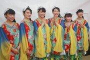 [심규선 기자의 눈]노래하는 일본의 직녀(織女)들