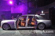 [신차 pic]'세상에서 가장 조용한 차' 롤스로이스 신형 팬텀 실내