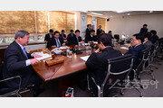 [단독] KBO 새 총재 추대, 29일 긴급 이사회 소집