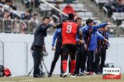 경남FC의 확고한 팀 컬러 '지더라도 공격한다'