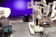 '다빈치'에 도전장 낸 '레보아이'… 의료계 4차혁명 이끈다