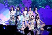 [연예현장.jpg] 트와이스 두 번째 콘서트…1만8000여명 팬들 열광