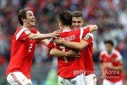 러시아, 월드컵 개막전서 A매치 데뷔골 2명 배출 신기록