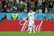 """[월드컵] 英 언론 """"메시, 호날두와 G.O.A.T 논란 끝났다"""""""