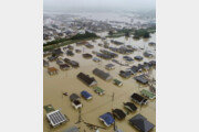 일본 역대급 폭우 원인은?…층층이 쌓인 적란운