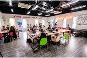 ICT 옷 입는 캄보디아…창업 열기로 성장률 年 7% 질주