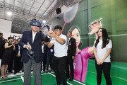 [경제현장.jpg] 이낙연 총리, 자카르타 KT 5G 체험관 방문